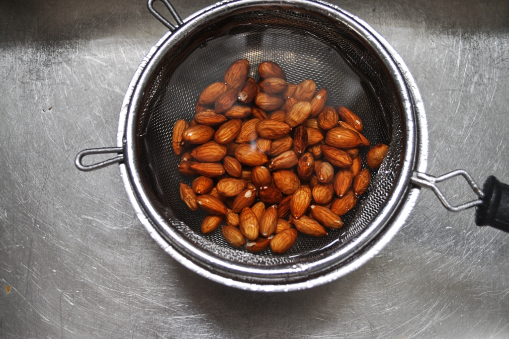 A Feteful Life: Fried Rosemary Almonds